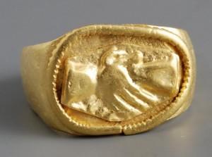 anillo-romanosubastasgema.com_-300x223.jpg